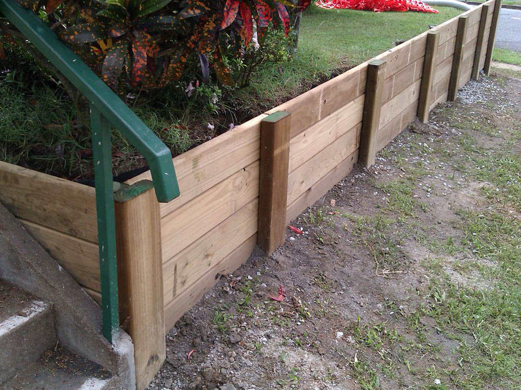 retaining wall wood